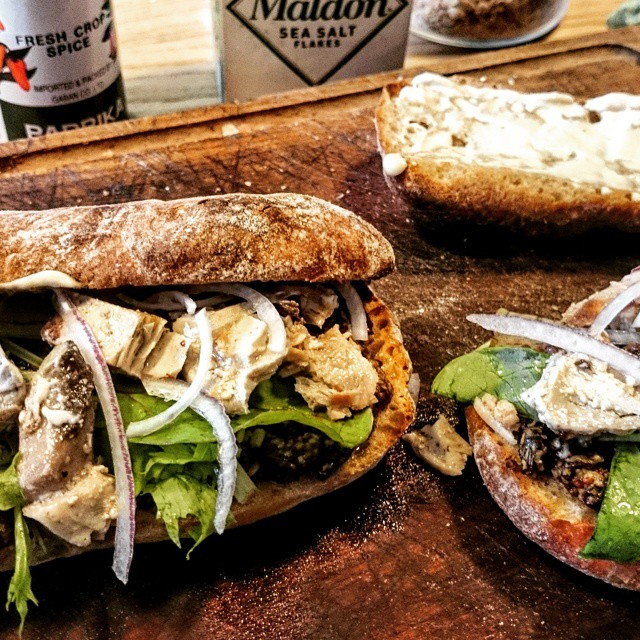 today's staff meal is ...homemade tuna & raisin mastered sandwich.skipjack is in season now.旬の鰹を仕込んだので、レーズンマスタードと合わせて、今日のまかないサンド。美味しくできたので、来週からメニューに。